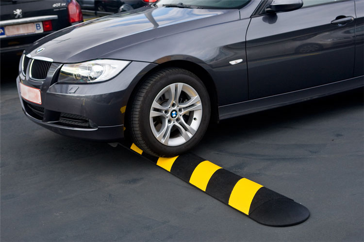 Traffic Speed Control Systems: Bumps, Humps, Tables and Strips ...