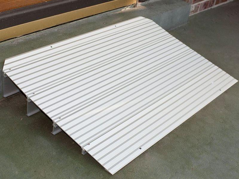 THRX Silver Spring Aluminum Modular Threshold Ramp