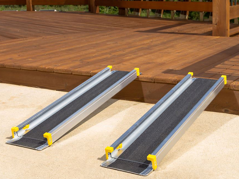 Multi-Folding Manual Wheelchair Ramps