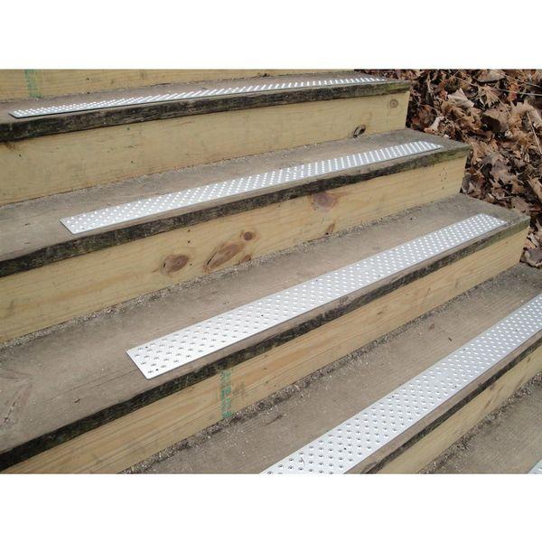 NST 100 Handi Ramp Non Slip Stair Tread   30 X 1