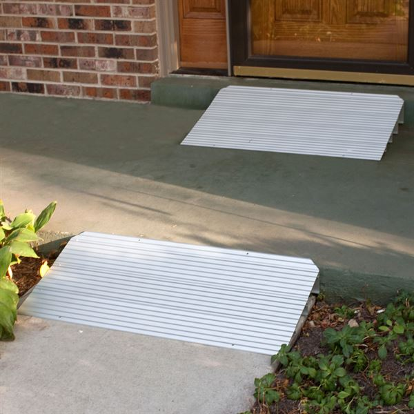 THRX Silver Spring Aluminum Modular Self Supporting Threshold Ramp 1