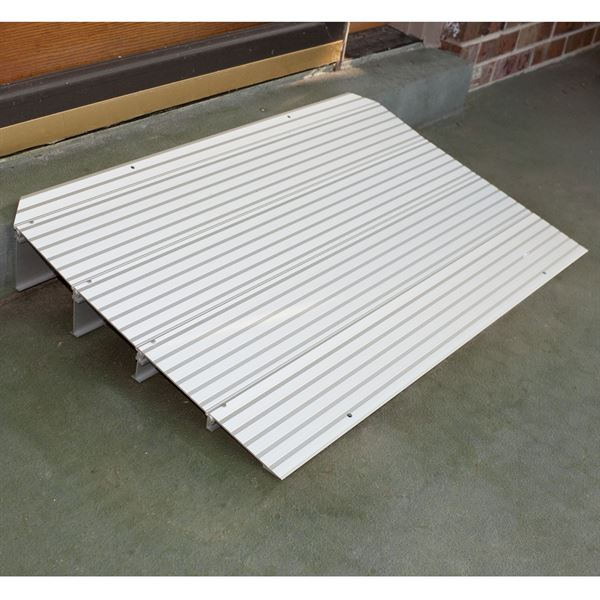 Silver Spring Aluminum Modular Self-Supporting Threshold Ramp