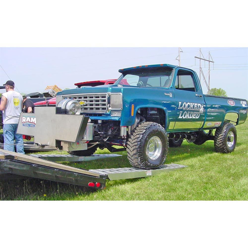 10-14-090-02-S 7 6 L x 14 W x 4-14 H Aluminum Ramps with Pin-On Ends - 10000 per axle Capacity 1