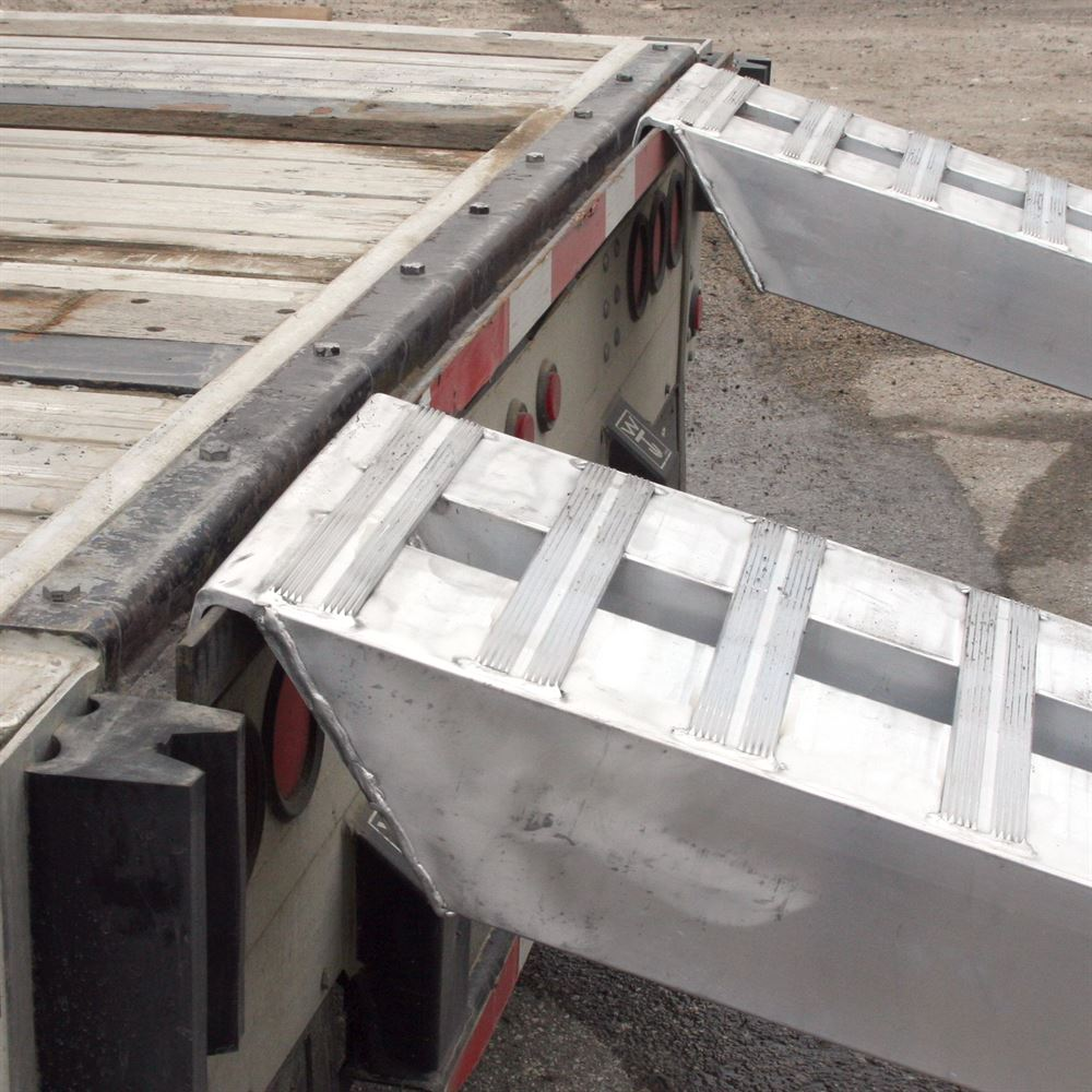10-14-090-05-S 7 6 L x 14 W x 4-14 H Aluminum Ramps with Hook Ends - 10000 lb per axle Capacity 5