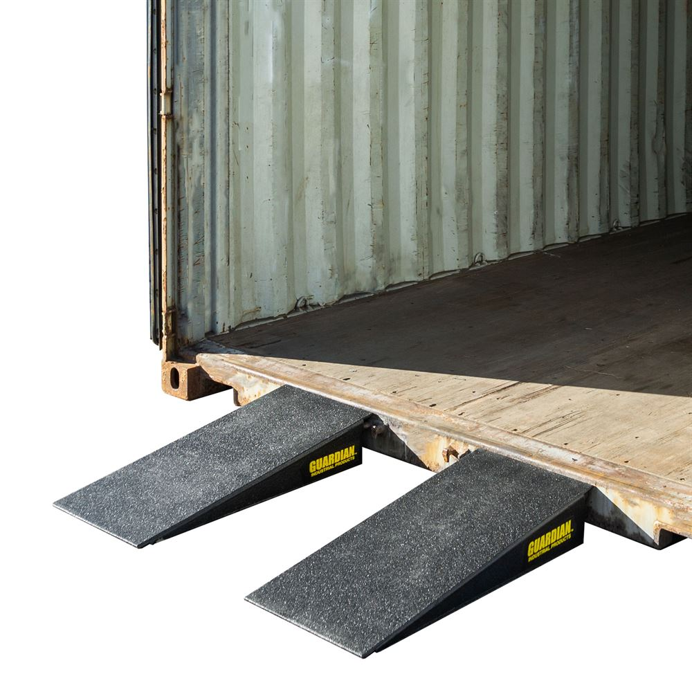 10CR23616 Guardian Aluminum-Reinforced Foam Dual Wedge Container Ramps - 36 x 16
