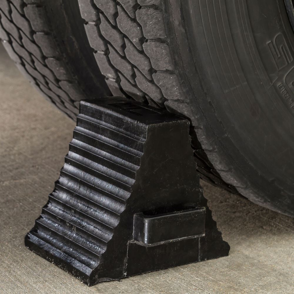 Guardian Industrial Products DH-WC-2 Loading Dock Tandem 41 Wheel Chock for OTR Truck Trailer