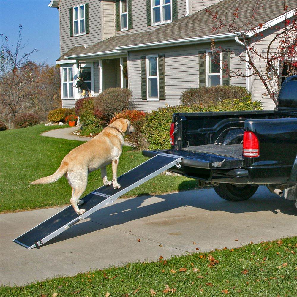 8 Lightweight Extra Wide Folding Aluminum Pet Ramp