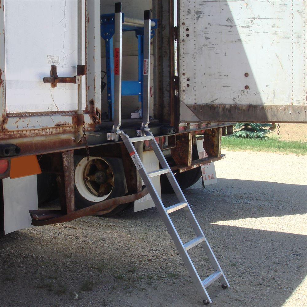 60 Quot Ez Deck Semi Trailer Step Ladder For 48 Quot To 52 Quot Deck