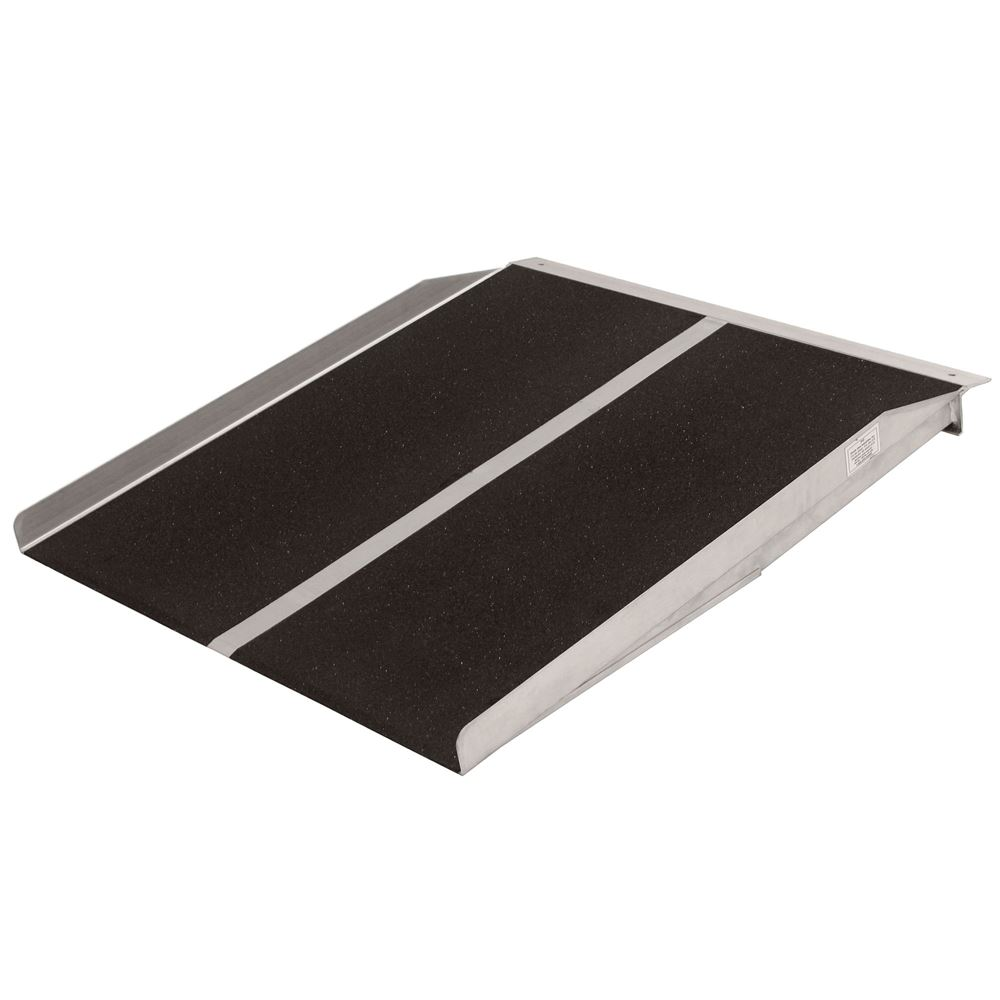 SL330 3 L x 30 W PVI Aluminum Solid Threshold Ramp