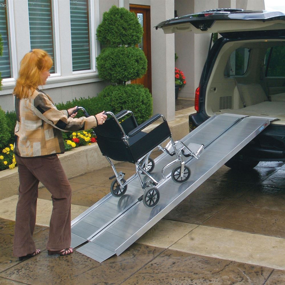 SUITCASE-SS EZ-Access Suitcase Single-Fold Wheelchair Ramp 1
