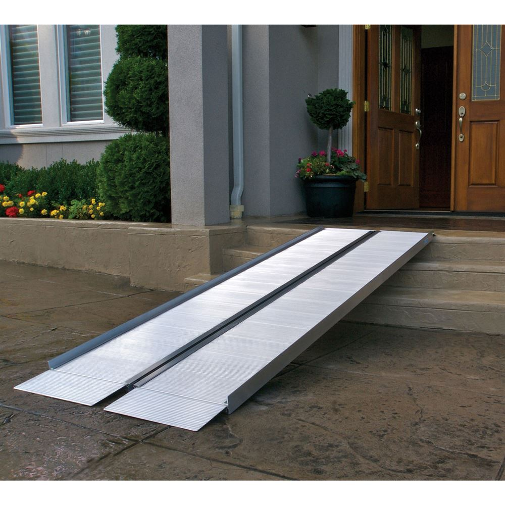 SUITCASE-SS EZ-Access Suitcase Single-Fold Wheelchair Ramp 2