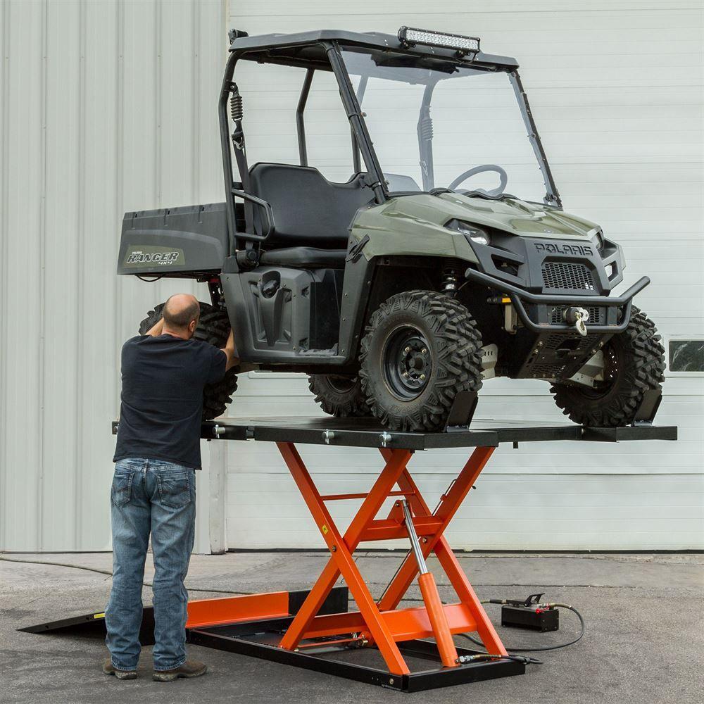 Black Widow Air Hydraulic Utv Lift Tables 2 500 Lb
